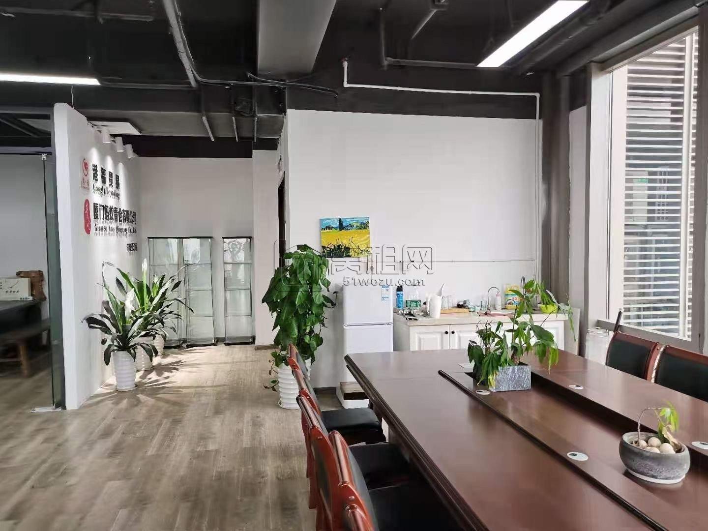 三官堂大桥附近深蓝大厦176平方租金9000一个月出