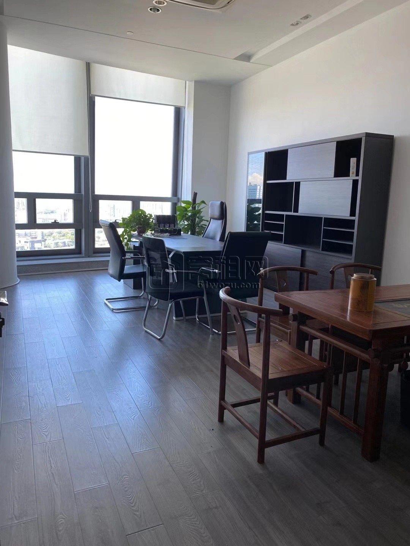 财富中心(玉米楼)650平带全套家具出租