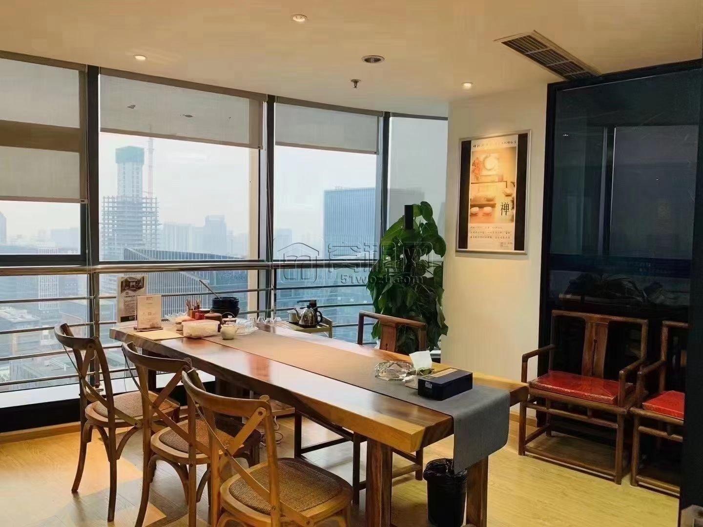 国骅大厦320平米西南朝向高楼层视野绝佳出租5个