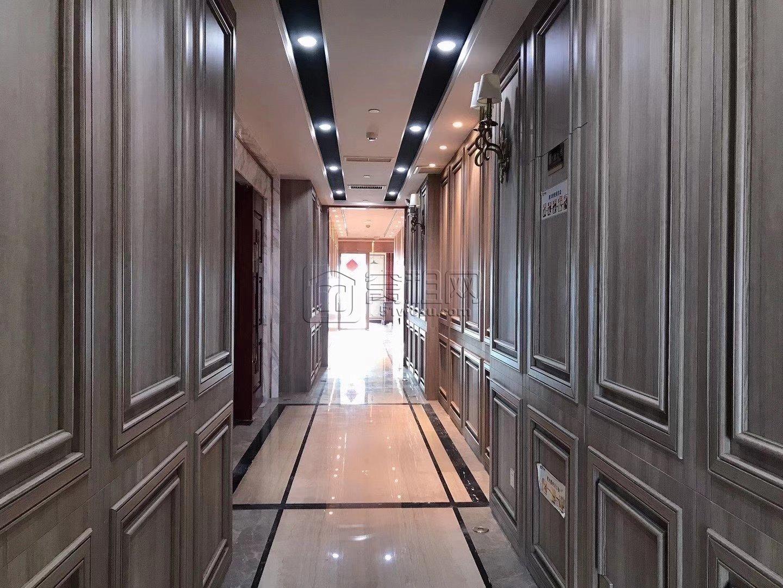 房东直租宁波商会47楼半层640平办公室豪华装修