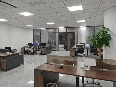 东部新城创新中心206平精装修1.6元特价出租