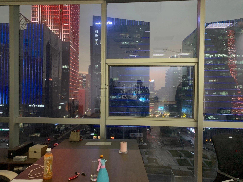 地铁3号线南部商务区站出口罗蒙大厦80平出租