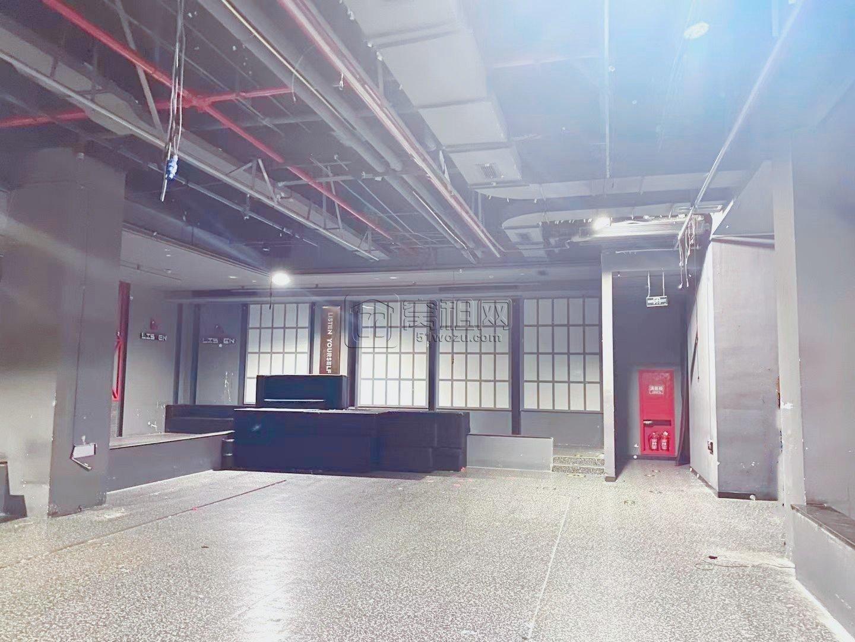 联安文体广场出租一楼旺铺631.04平