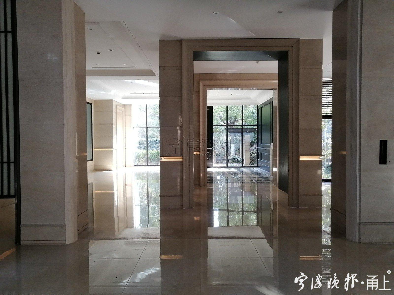 宁波这个小区36户居民自筹40万 将破旧的楼道改造