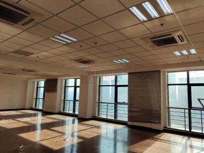 高新区三方大厦整层1046平米带隔间出租