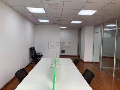 出租前程国际大厦108平办公室电梯口位置
