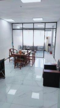 天一市区中央商座3楼65平朝东办公室出租