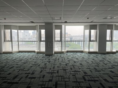 东部新城雷迪森酒店办公室出租