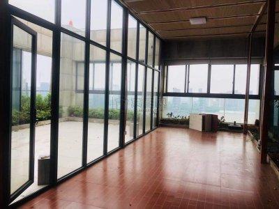 国大雷迪森广场酒店7楼赠送露台办公室出租