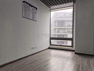 智慧园全新装修185平米三个隔间带形象墙出租电
