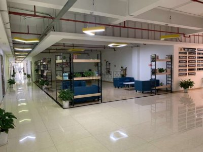 城西新天地4楼办公室出租135平米