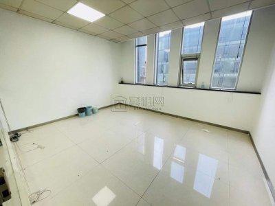 水街旁广博丽景大厦出租138平米有形象墙2个隔间