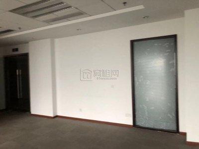 嘉恒广场160平米办公室出租电梯口位置